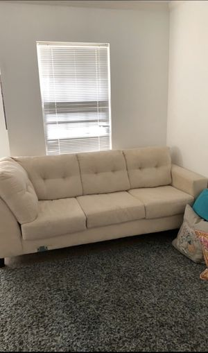 Couch, graduate student, moving soon after graduation. Price is negotiable! for Sale in Columbia, SC