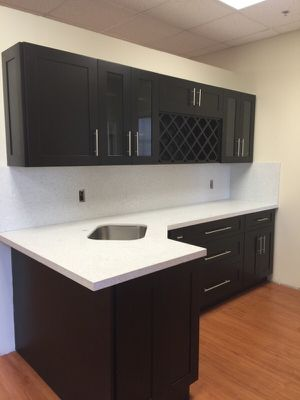 All wood shaker kitchen cabinets for Sale in Hialeah, FL