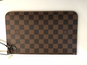 LV clutch for Sale in Palo Alto, CA