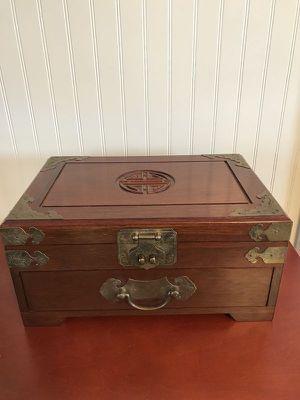 Vintage Oriental Jewelry Box Organizer for Sale in Fort Lauderdale, FL