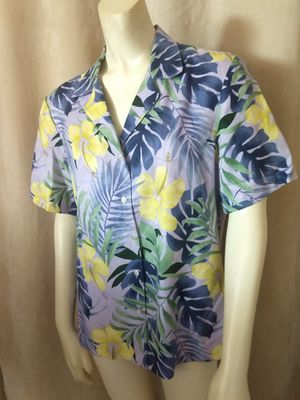 TOMMY BAHAMA Women's 100% Silk Shirt Top Blouse Button Down Floral Size Large for Sale in Delray Beach, FL