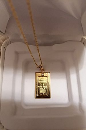 Credit suisse 1 gram fine gold 999.9 Pendant with diamond chip for Sale in Leesburg, VA
