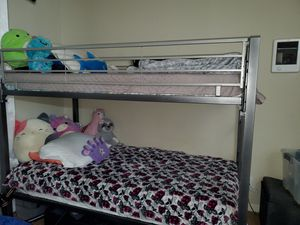 Twin bunk bed for Sale in Spring Valley, CA