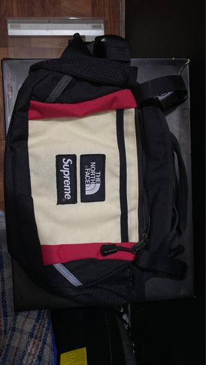 SUPREME X THE NORTH FACE WAIST PACK for Sale in PECK SLIP, NY