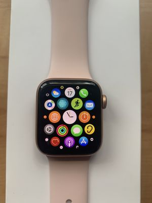 Apple Watch series 5 cellular + gps for Sale in Hialeah, FL
