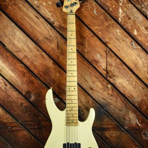 peavey foundation bass 5 string - US made! for Sale in Long Beach, CA