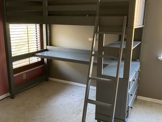 Twin Loft Bed With Desk, Wayfair for Sale in Hayward,  CA