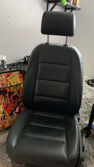 Audi A4 B7 driver seat for Sale in Hallandale Beach, FL