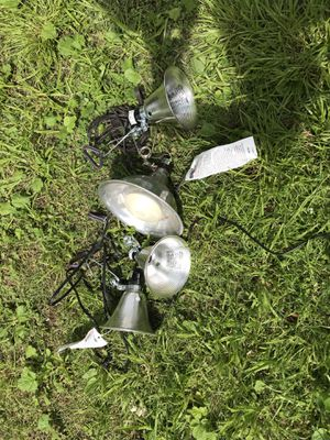 1 large and 3 smal clip on lights one price for Sale in Columbus, OH