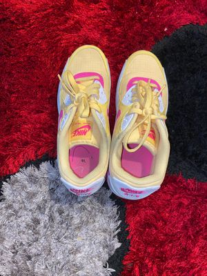 WMNS Nike Air Max 90 Topaz Gold-Laser Fucsia-White sz7 for Sale in Jacksonville, FL