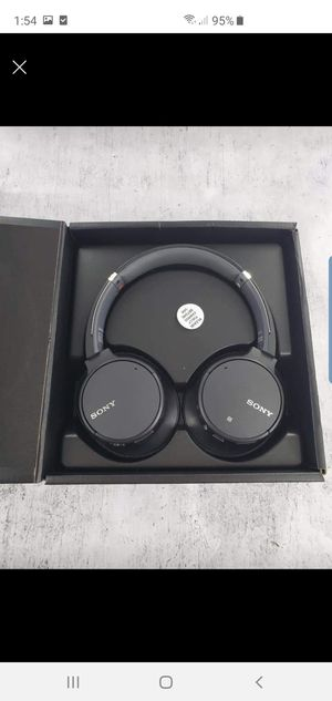 Wh- ch700n sony headphones for Sale in San Leandro, CA