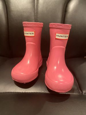 Toddler, baby Girl Hunter rain boots - pink - size 4 for Sale in Renton, WA