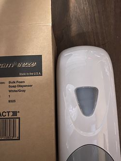 1 Gallon Alcohol Sanitizer With Hand Dispenser for Sale in Fort Belvoir,  VA
