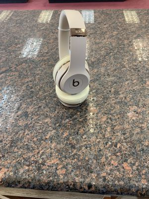 Beats solo 3 headphone for Sale in Austin, TX