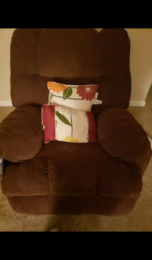 Couch and new recliner for Sale in Nashville, TN