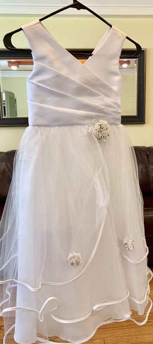 Flower girl dress size 8 for Sale in Chicago, IL