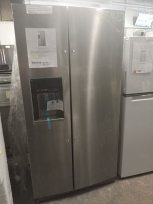 NEW SCRATCH AND DENT WHIRLPOOL COUNTER DEPTH SIDE BY SIDE DOORS FRIDGE 36 IN W/6 MONTHS WARRANTY for Sale in Baltimore, MD