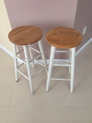 Wooden stool for Sale in MONTGOMRY VLG, MD
