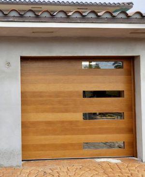 Garage doors repairs and installs for Sale in Miami Gardens, FL