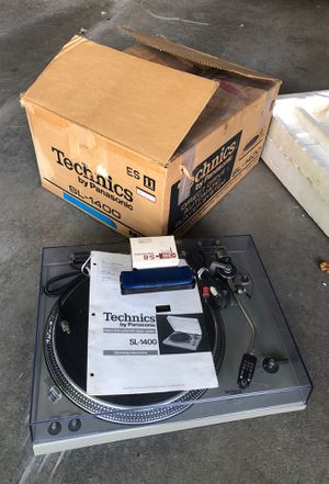 Vintage Technics SL-1400 Turntable for Sale in Sioux Falls, SD