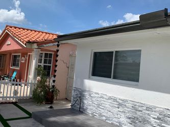 Seamless Gutters for Sale in Miami,  FL