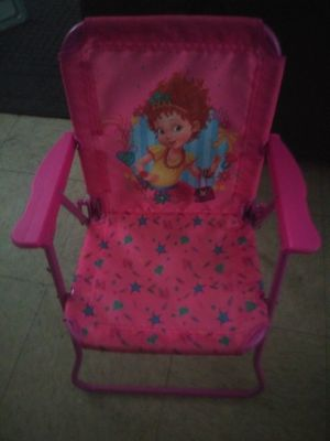 Kids chair for lil girls for Sale in Fort Worth, TX
