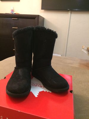 women boots 7.5 for Sale in Manteca, CA