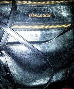 Michael Kors Shoulder Bag Bedford Md Flat Crossbody for Sale in Madison Heights, VA