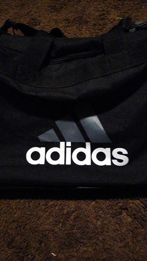 Adidas duffle bag for Sale in Hesperia, CA