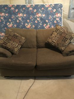 Small couch for Sale in O'Fallon,  MO