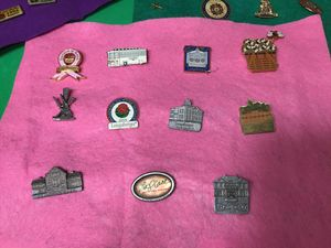 LOT OF VINTAGE PINS WFW/ LONGABERGER/STATE CONVENTION/VETERANS OF FOREIGN WARS for Sale in Orlando, FL
