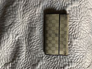 Gucci wallet for Sale in Redlands, CA