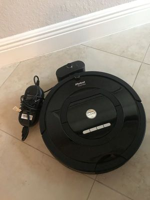 iRobot Roomba 805 Vacuum Cleaner for Sale in Tacoma, WA