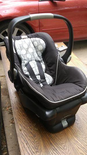 Britax infant car seat for Sale in Austin, TX