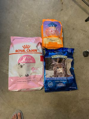 3 combo cat food for Sale in Rialto, CA