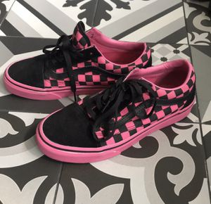 Women's Pink & Black Checkered Vans Sneakers Size 7 for Sale in Largo, FL