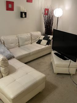 Sectional With Storage Ottoman- for Sale in Renton,  WA