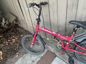 Folding aluminum bike seven speed for Sale in Cerritos, CA