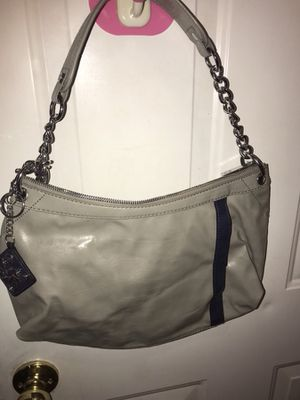 Vera Wang real leather hobo bag for Sale in Hillsboro, OR