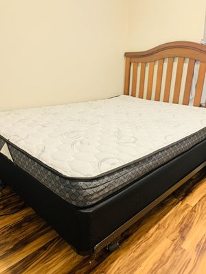 Full size bed with frame for Sale in San Diego, CA