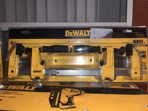 Brand new dewalt 4pc 600lbs f-clamp 2x6 - 2x 12 for Sale in Plant City, FL