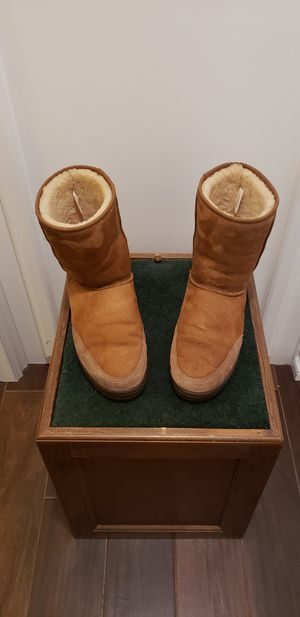 UGG Classic Short Mens Boots ~10 (New Zealand) for Sale in Santa Ana, CA