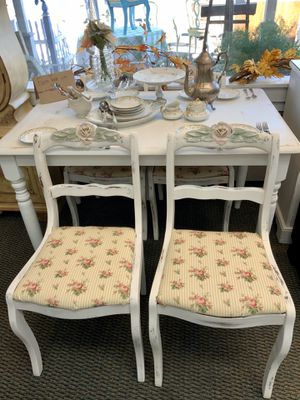 Dining Table Farm Table with 4 chairs - Sunflower Vintage - Fallbrook for Sale in Fallbrook, CA