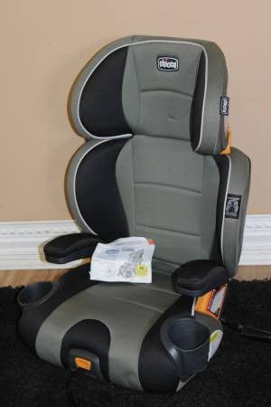 Chicco booster car seat for Sale in Tampa, FL