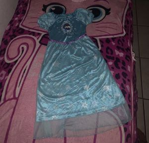 Disney Frozen Pjs / Costume Size 7/8 To Big For My Daughter for Sale in Bloomington, CA