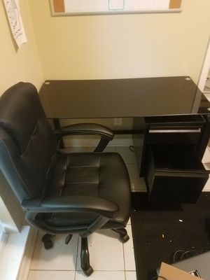 Office Table & Chair for Sale in Montgomery, AL