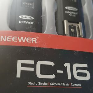 Neewer FC-16 Studio Strobe Camera Flash For Nikon for Sale in Bridgeport, CT