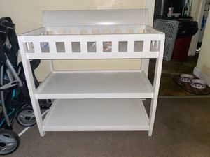 Baby changing table without baby changing pads for Sale in Maple Heights, OH