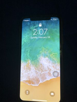 iPhone X cracked front screen for Sale in Kissimmee, FL