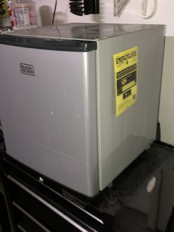 Black And Decker 1.7 Cu Ft. Energy Star Refrigerator With Freezer, VCM for Sale in Cherry Hill,  NJ
